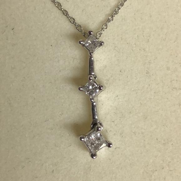 f7d62ebe12816 Past,Present & Future Necklace 💖